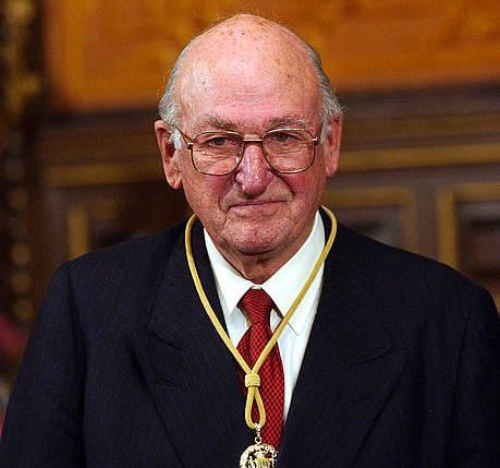 Juan Zelaia, 2003ko Gipuzkoako Urrezko Domina jaso zuenean.
