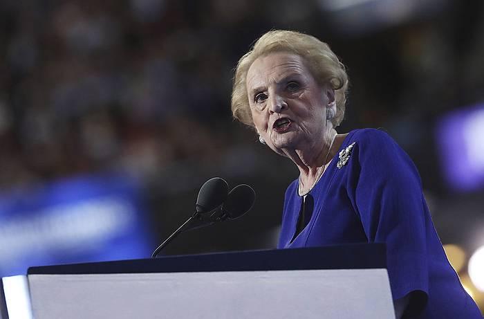Madeleine Albright, AEBetako Estatu idazkari izandakoa, artxiboko irudi batean.