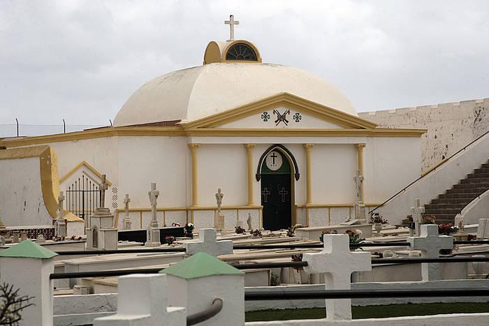 Jose Sanjurjo lurperatu duten panteoi militarrra, Melillan. /