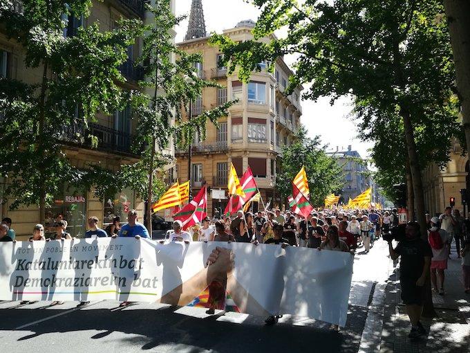 Manifestazio burua, Donostiako San Martin kalean.
