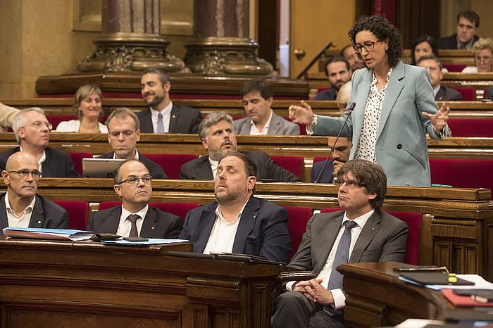 Generalitateko kideak parlamentuan, gaur. /