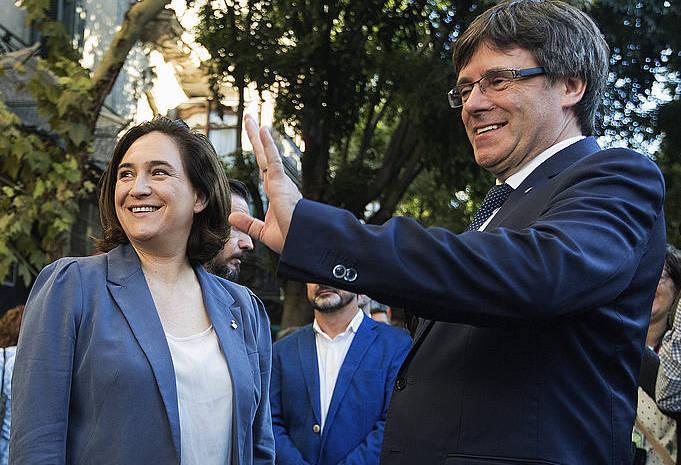 Puigdemont eta Colau, Diadan. /
