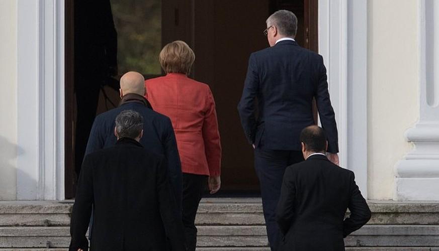 Angela Merkel, Bellevue jauregira sartzen, atzo. / ©Clemens Bilan, EFE