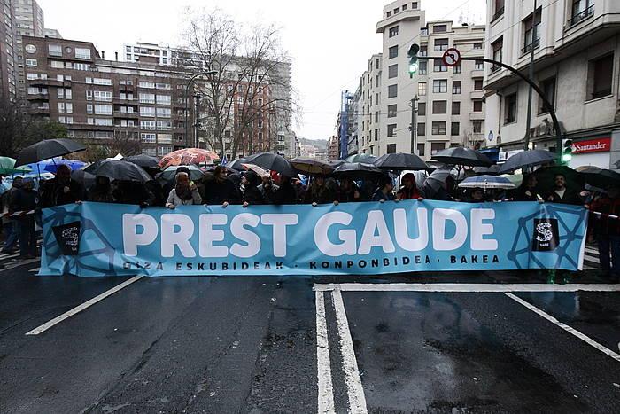 Manifestazioko pankarta./