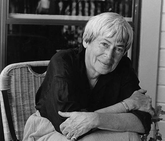 Ursula K. Leguin, artxiboko irudi batean. /