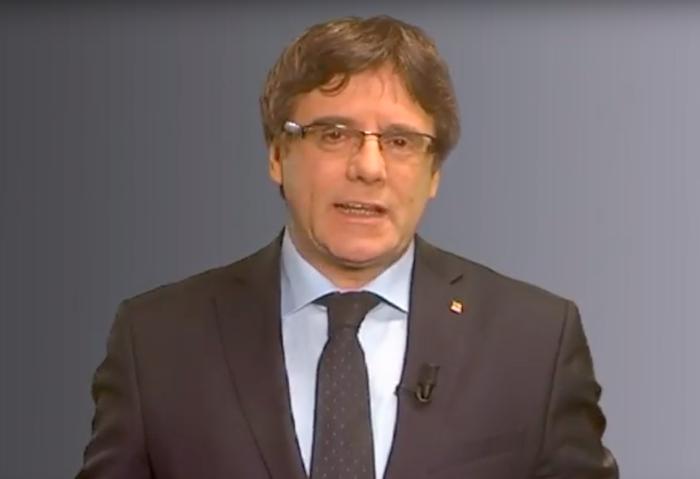 Carles Puigdemont Kataluniako presidente eta hautagaia, gaur sare sozialetan zabaldu duen bideoan. / ©Berria