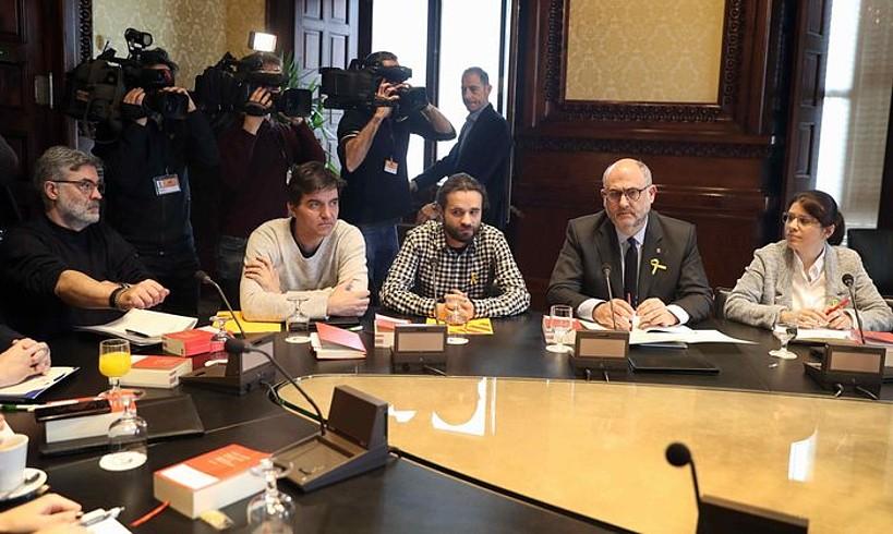 Puigdemonten balizko rolak nahastu ditu subiranisten arteko negoziazioak