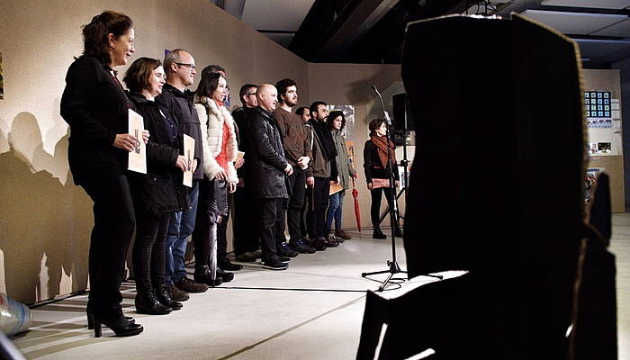 Eremuak programan parte hartu duten 31 artistetariko batzuk erakusketaren aurkezpenean ©Marisol Ramirez/ Argazki Press