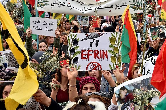 Kurduak Afringo erasoaldiaren aurka protestatzen, Beiruten. / ©Wael Hamzeh, EFE