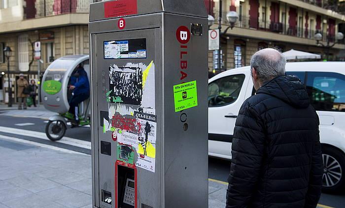 Bilboko TAO zerbitzuko makina bat. ©LUIS JAUREGIALTZO/ ARGAZKI PRESS