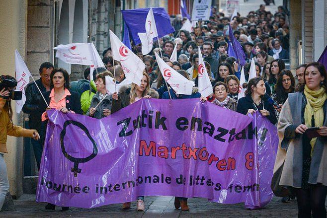 Martxoaren 8ko manifestazio bat, artxiboko argazkian. / ©Ipar Euskal Herriko Hitza
