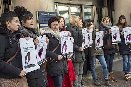 Sindikatuetako ordezkariak, greba feministako lanuzte deialdia erregistratu aurretik. /