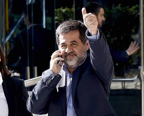 Jordi Sanchez, iazko urriaren 16an, Auzitegi Nazionalera bidean, espetxeratua izan aurretik. /