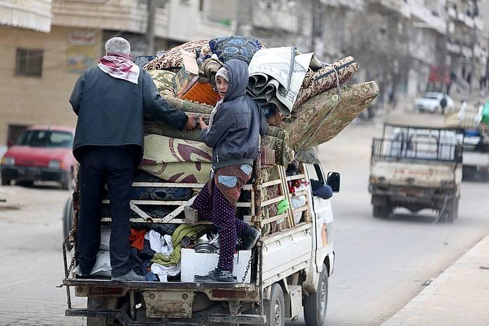 Milaka herritarrek egin dute ihes Afrindik, Turkiak erasoaldia hasi zuenetik. / ©Aref Tammawi, EFE