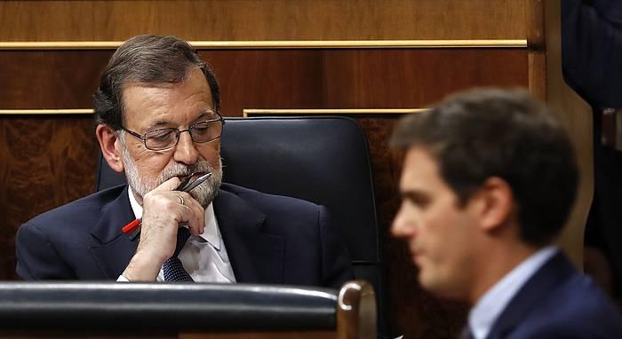 Rajoy eta Rivera, iazko aurrekotuak onartzeko saioan. /