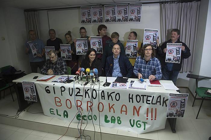 ELA, CCOO, LAB eta UGTko ordezkariak, Donostian. ©Jon Urbe / Foku