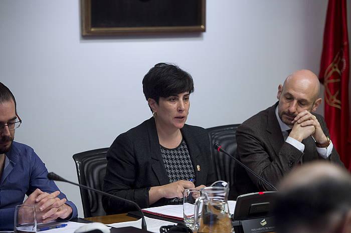 Maria Solana, Hezkuntza kontseilaria, Nafarroako Parlamentuan gaur eginiko agerraldian. ©IÑIGO URIZ / FOKU
