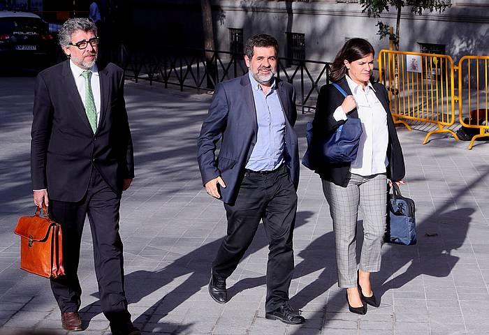 Jordi Sanchez JxCeko diputatua, Auzitegi Nazionalera bidean, iazko urriaren 16an, Llarena epaileak espetxeratu zuen egunean. / ©Kiko Huesca, EFE