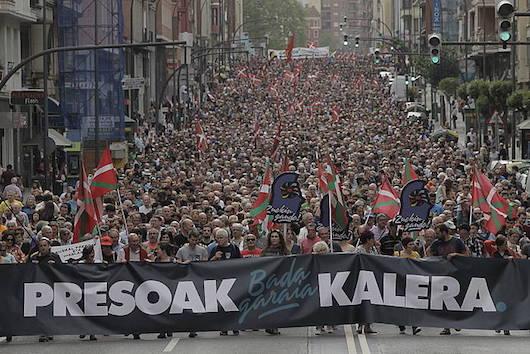 Manifestazioa, Bilboko autonomia kalean. / ©Aritz Loiola, Foku