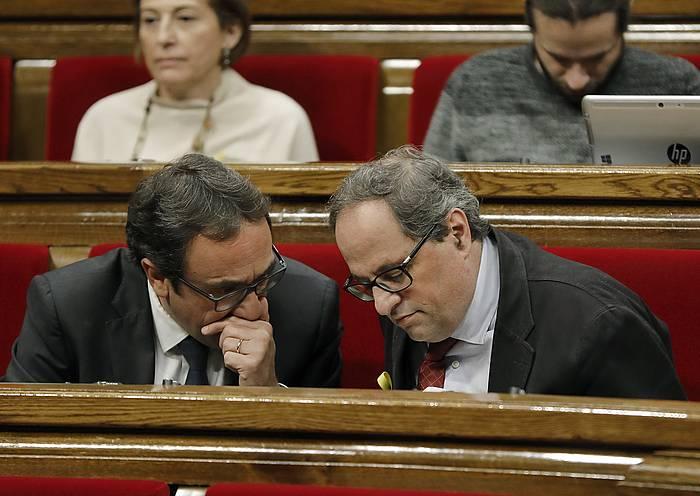 Josep Rull eta Quim Torra (eskuinean), legebiltzarrean.