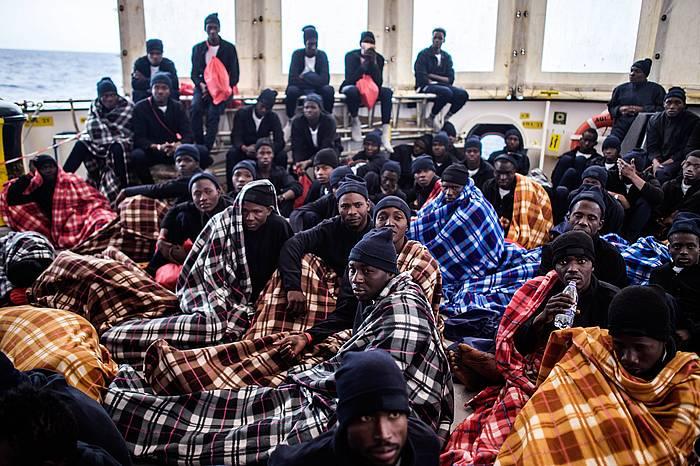 SOS Mediterranee GKEko 'Aquarius' ontziak joan den apirilean erreskatatutako migratzaile talde bat. /