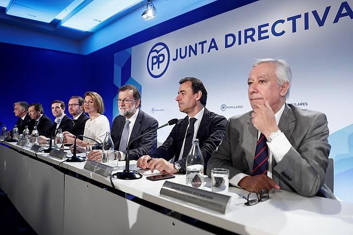 PPen zuzendaritza, Rajoy erdian dela, gaur egin duen bileran. / ©Mariscal, Efe