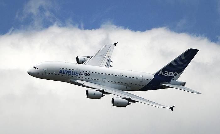 Airbus 380 baten artxiboko irudia