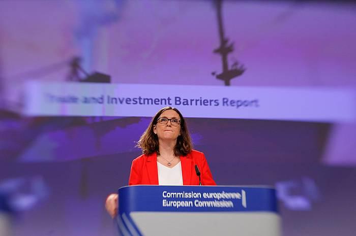 Cecilia Malmstrom EBko Merkataritza komisarioa, gaur eguerdian Bruselan egin duen agerraldian. ©Olivier Hoslet / EFE