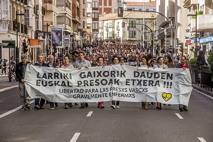Gaixotasun larriak dituzten euskal presoak aske uztearen aldeko manifstazioa, Gasteizen, iazko maiatzaren 6an. /