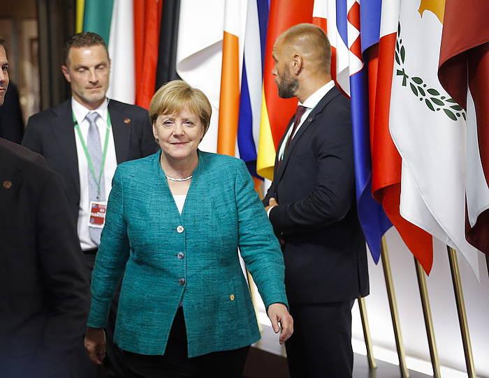 Angel Merkel Alemaniako kantzilerra, atzo, Bruselan, Europar Kontseiluaren bilerara iristen. /
