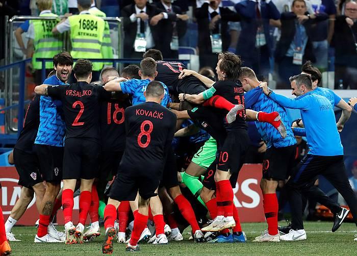 Kroaziarrak garaipena ospatzen penaltietan Danimarka kanporatu ostean ©Kiko Huesca