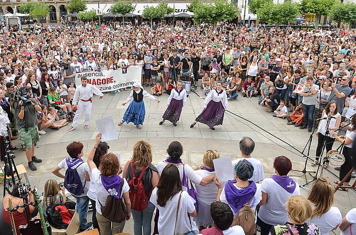 Gaztelu plazan egin dute elkarretaratze. ©Idoia Zabaleta / Foku