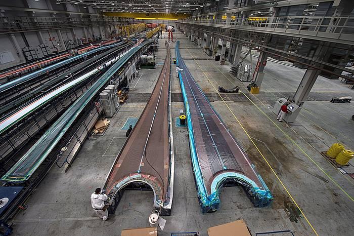 Siemens Gamesak Agoitzen (Nafarroan) duen lantegia. Haize sorgailuentzako palak egiten dira bertan.