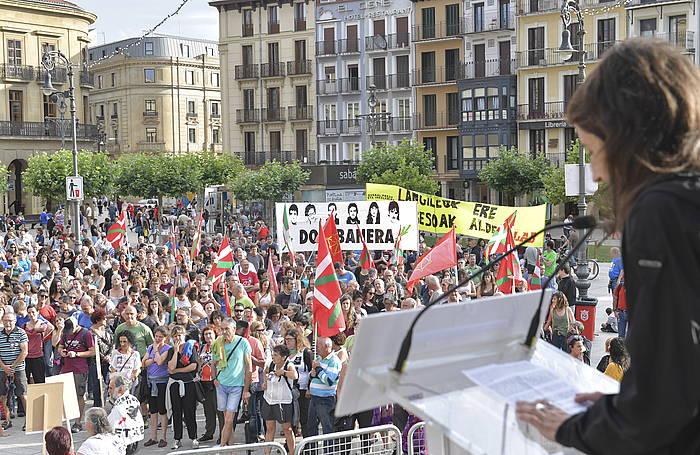 Manifestazioa Gazteluko plazan amaitu da. ©Idoia Zabaleta, Foku