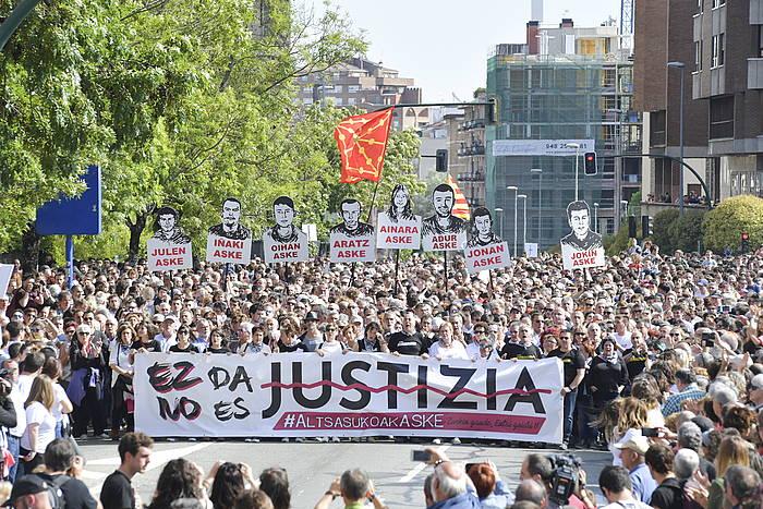 Altsasuko auzian justizia eskatzeko Iruñean egindako manifestazioaren une bat./
