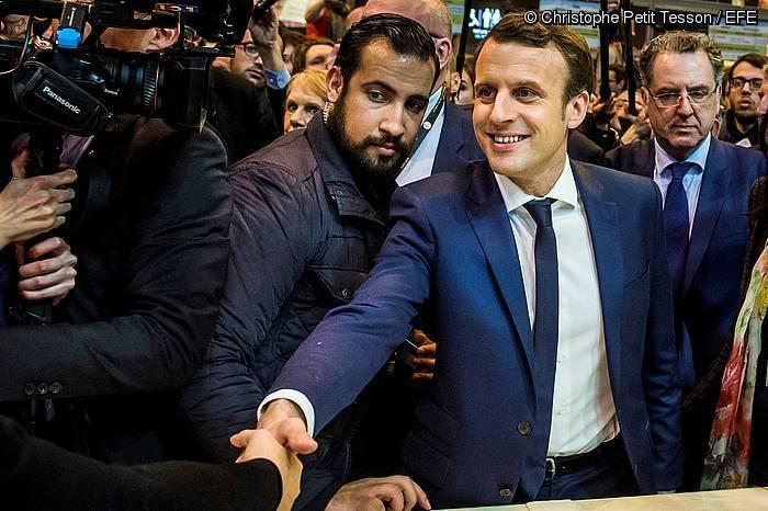 Benalla eta Macron, 2017ko hauteskunde kanpainako irudi batean.