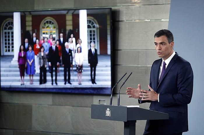 Pedro Sanchez, ministroen kontseilu osteko agerraldian.