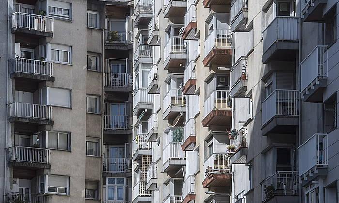 Hainbat etxebizitza eraikin, Donostian. / ©Jon Urbe, Foku