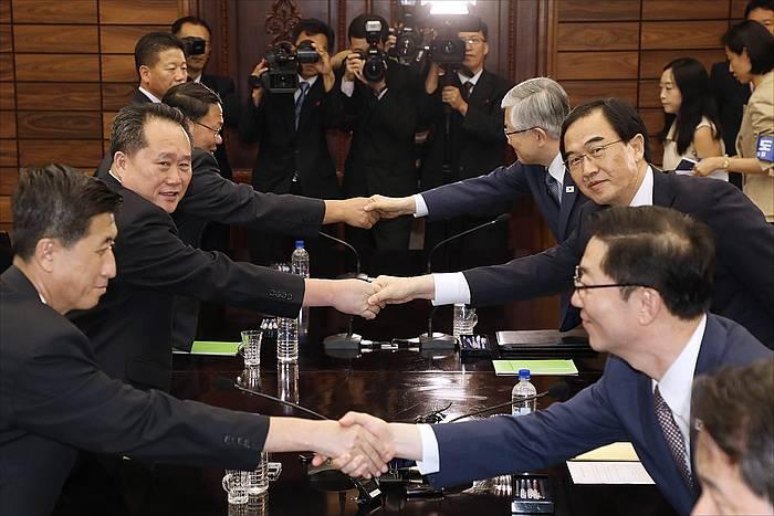 Ipar eta Hego Koreako gobernuetako ordezkariak, Panmunjomen, Hego Korean. / ©Hong Geum-pyo, EFE