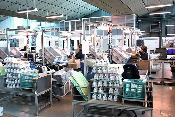 Gasteizko lantegian Ufesa eta Bosch markako lisaburdinak egiten dituzte.
