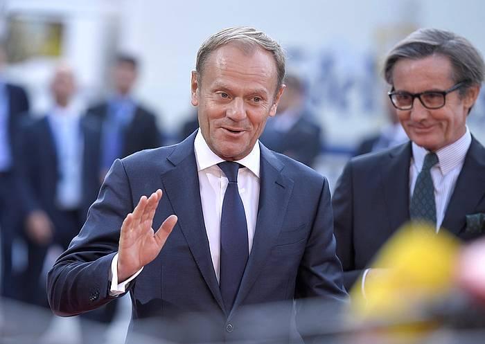 Donald Tusk Europar Kontseiluko presidentea, gaur, Europar Batasuneko goi bilerara iristen, Salzburgon (Austria). / ©Christian Bruna, EFE