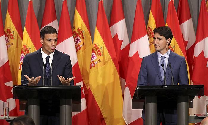 Pedro Sanchez Espainiako presidentea eta Justin Trudeau Canadako lehen ministroa, atzo, Montrealen, bien arteko bileraren ondorengo prentsa agerraldian. / ©Ballesteros, EFE