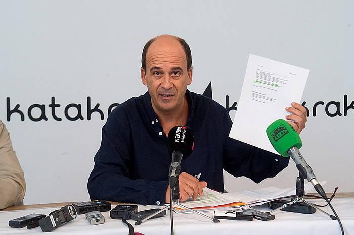 Patxi Zamora, Guardia Zibilaren posta elektronikoaren mezua erakusten.