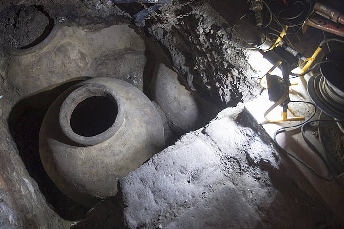 San Lorenzo kalean aurkitutako tina.