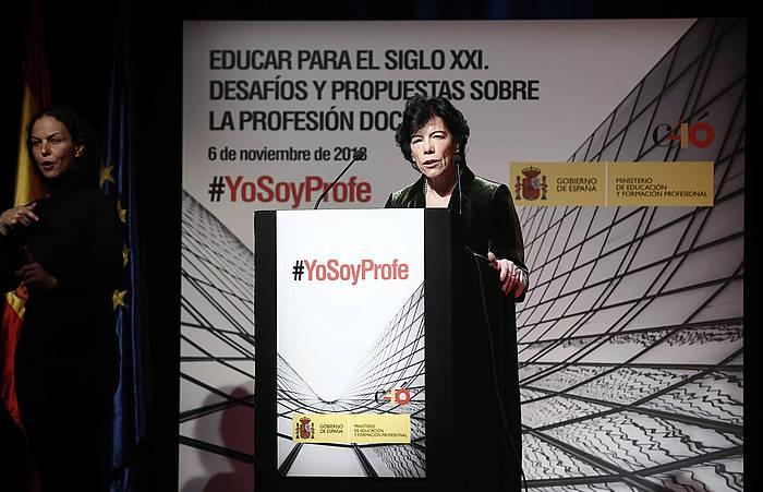 Isabel Zelaa Espainiako Hezkuntza ministroa, Madrilen.