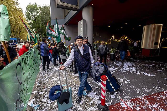 Bilboko Barcelo hoteleko gela garbitzaileen protesta, azaroaren 2an, lehen greba egunea..
