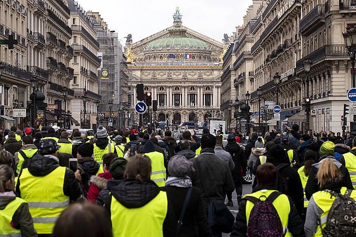 Jaka Horien mobilizazioa, gaur, Parisko erdigunean. ©ETIENNE LAURENT, EFE