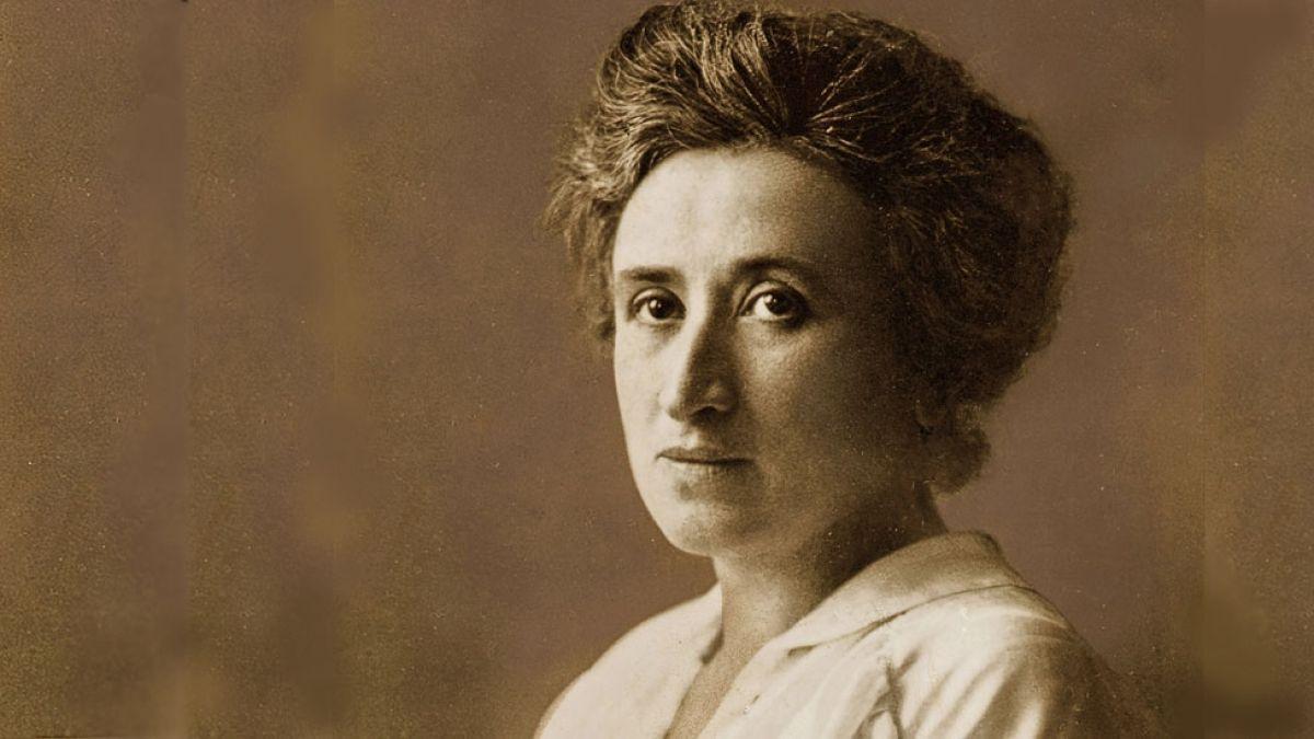 Rosa Luxemburg ekonomialaria, filosofoa, teorialari marxista, gerraren kontrako ekintzailea eta iraultzaile sozialista izan zen.