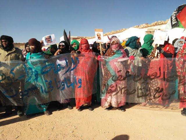 Errefuxiatu guneetan ere protestak egin dituzte elkartasuna adierazteko. ©BERRIA.
