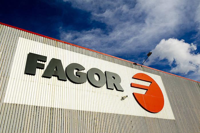 Fagorren logoa, Garagartzako lantegian, artxiboko irudian. ©Juan Carlos Ruiz / Foku